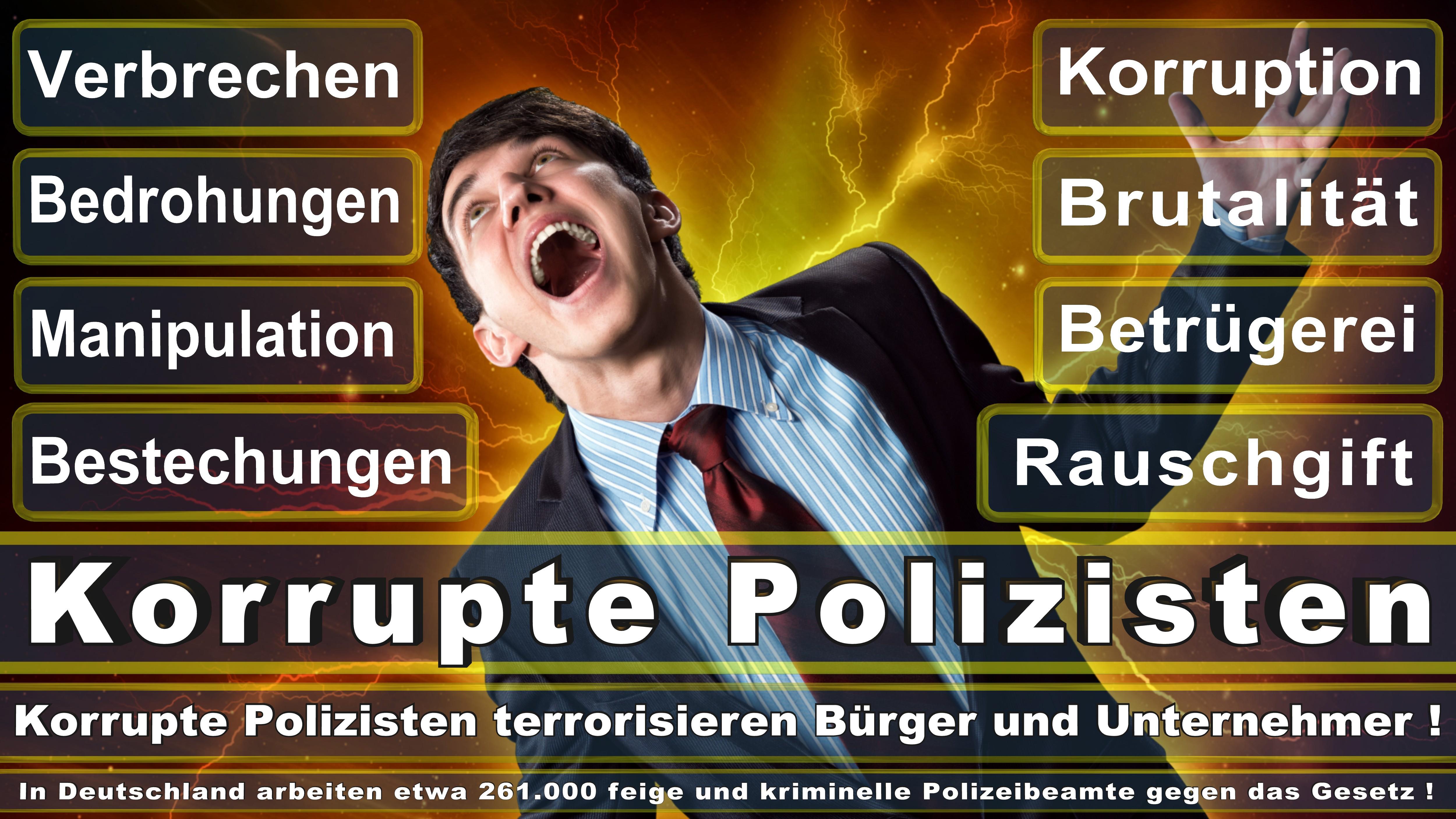 Polizei-Bielefeld (172) Verkehrspolizei, Polizeiverwaltungsamt, Bereitschaftspolizei, Polizeibeamte, Polizeibeamter, Polizeieinsatz Bielefeld,